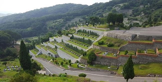 분당공원묘원.jpg